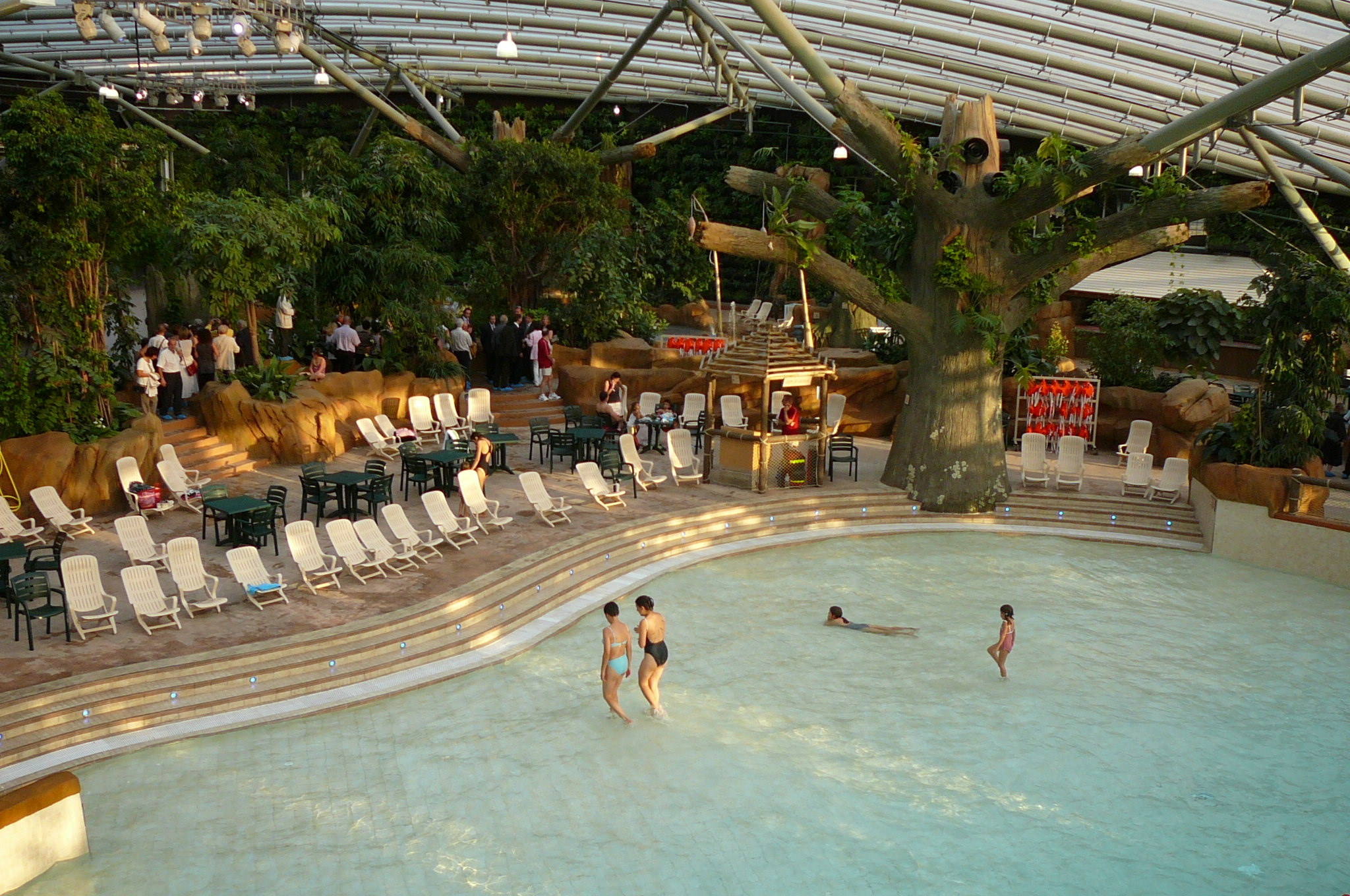 Center parcs adr naline et rigolade on bouge pour for Piscine center parc